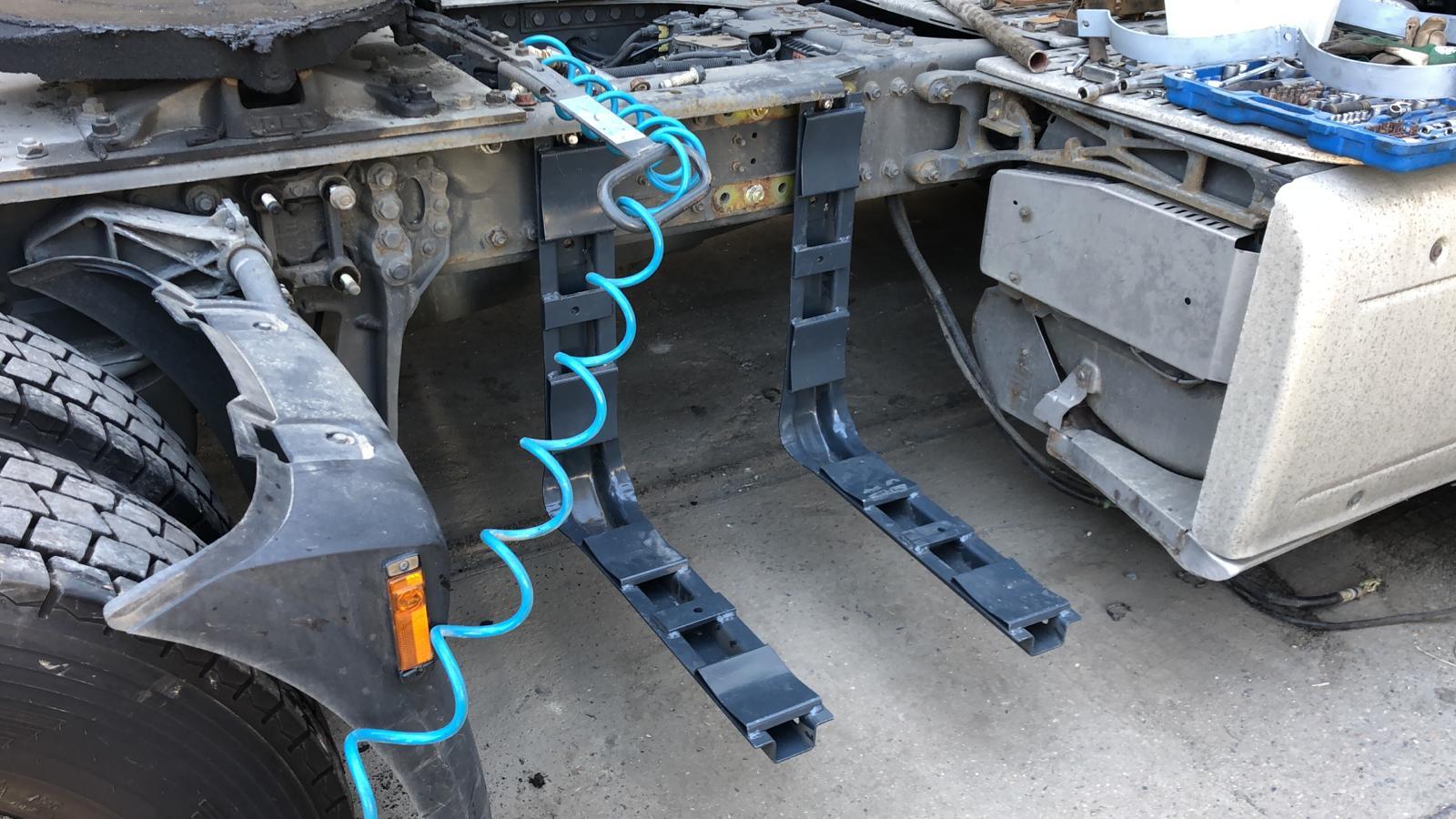 Diesel-CNG montáž držáku nádrží CNG