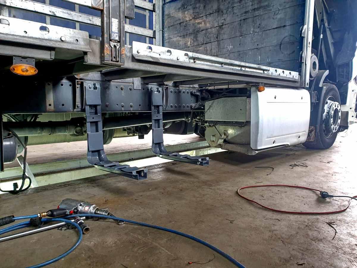 DAF XF Tandem Euro 6 montáž nádrží CNG