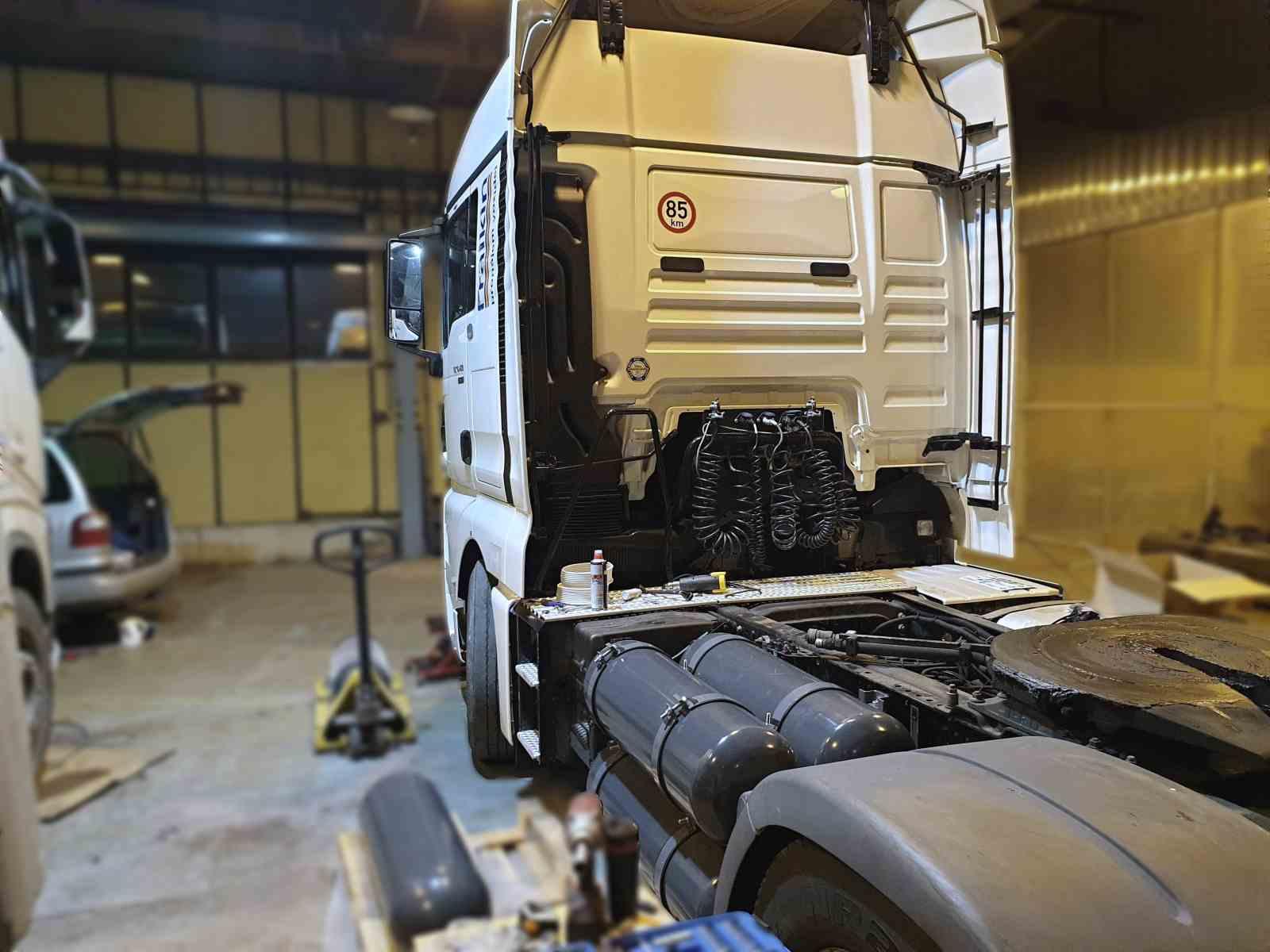 MAN TGX 18.440 diesel CNG