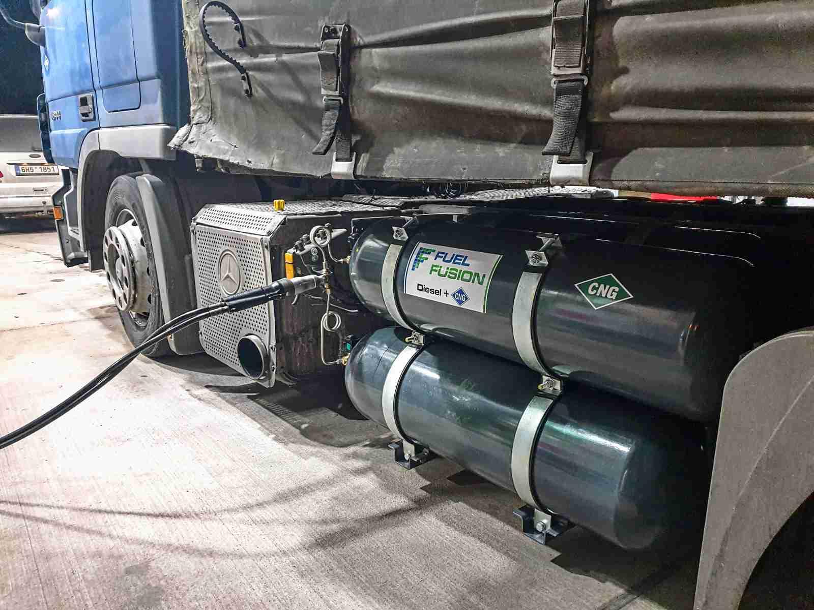 Tankování CNG po přestavbě na duální pohon Diesel CNG